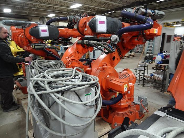 Used ABB IRB 6640 6 AXIS CNC ROBOT 235KG X 2.55 REACH IRC5