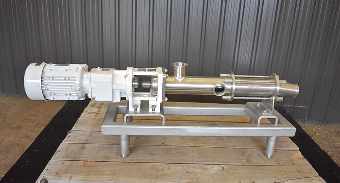 """Used USED MOYNO PROGRESSING CAVITY PUMP, 2.5"""" X 2.5"""" INLET & OUTLET, STAINLESS STEEL"""