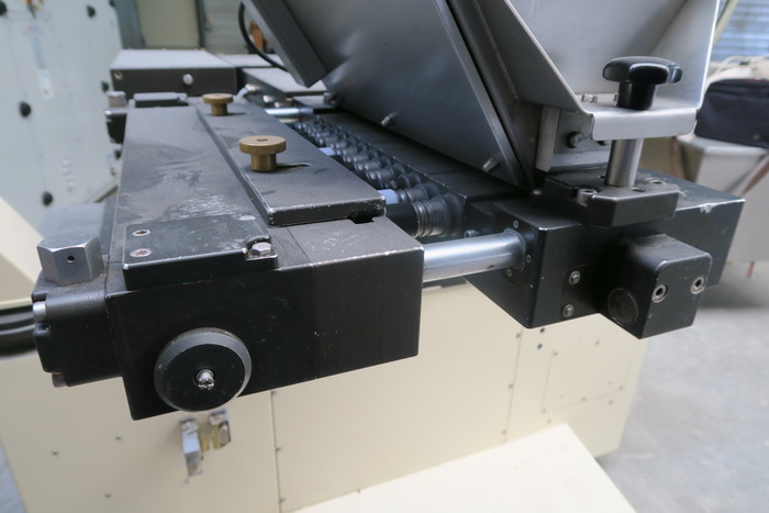 KNOBEL CHOCOLATE DEPOSITOR
