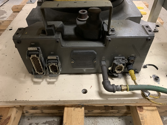 PREVIOUSLY REFURBISHED 2003 FANUC R2000iA/125L W/ DEVICENET AND BASEPLATE