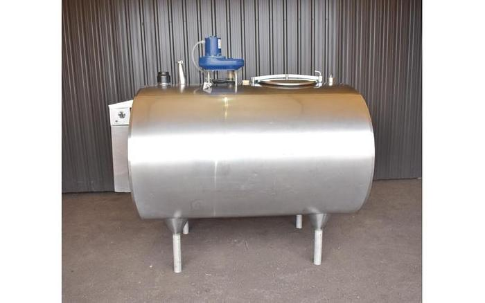 USED 600 GALLON JACKETED TANK, STAINLESS STEEL, HORIZONTAL, WITH MIXER