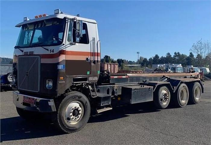 Used 1996 VOLVO WHR64T