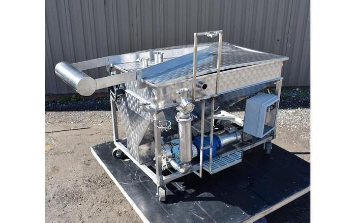 USED 175 GALLON JACKED TANK, STAINLESS STEEL WITH WAUKESHA MODEL 34 PUMP & BASKET FILTER