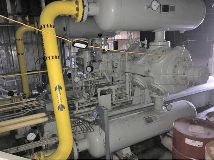 1991 Superior 1100hp Gas Compressor and Barber V-660 Discharge Dampeners