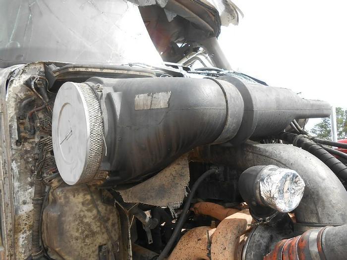 2002 INTERNATIONAL 9900i