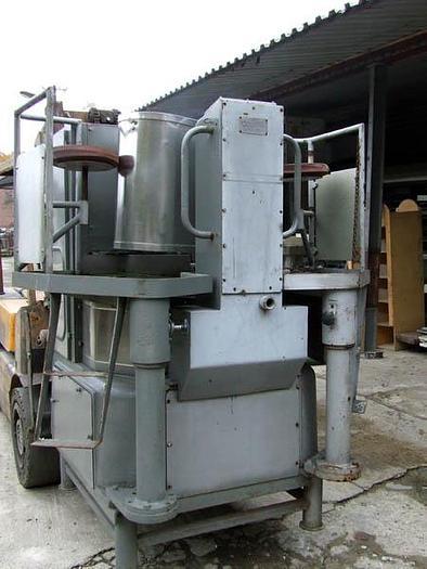Używane Maszyna do cięcia ryb i napełniania nimi puszek okrągłych fi 99 mm