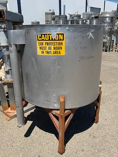 200 Gallon Vertical Stainless Steel Tank