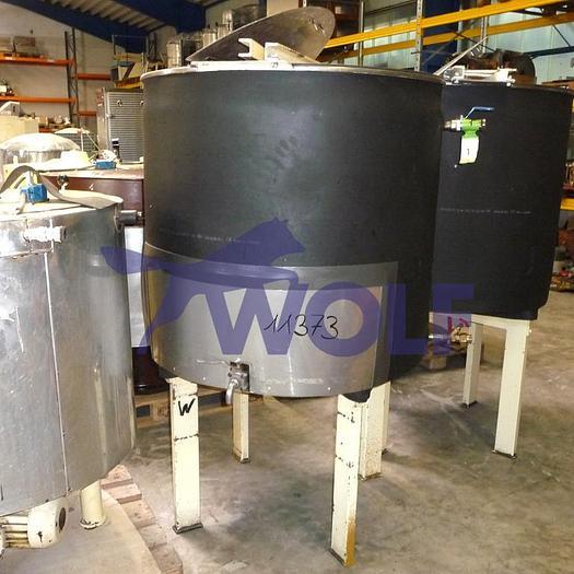 Gebraucht Edelstahl-Behälter auf Füßen stehendca. 700 Liter Nutzvolumen