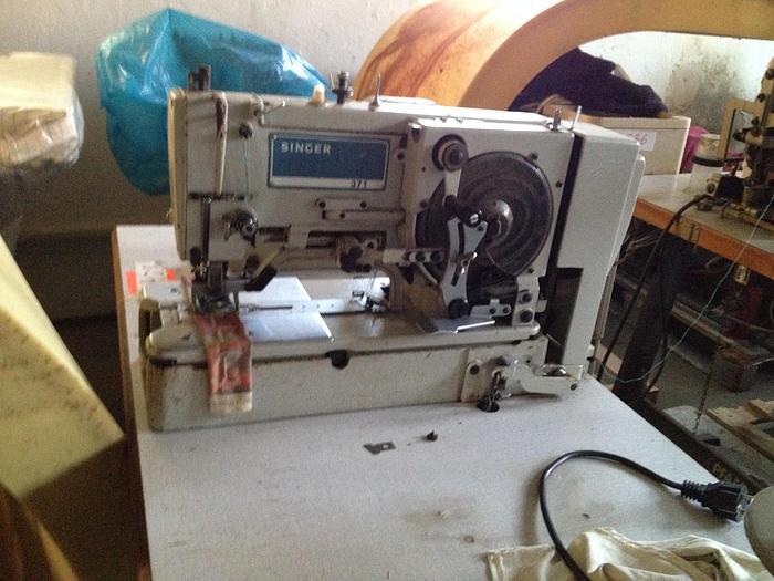 Gebraucht Knopflochmaschine SINGER  KL. 371-U2