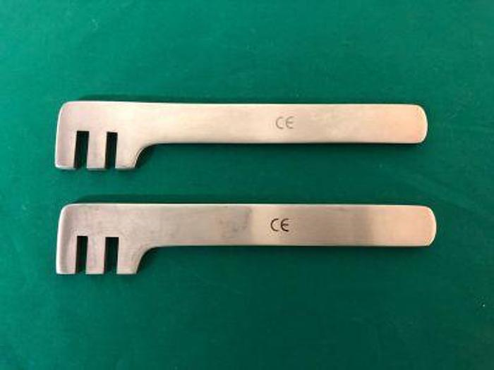Used Bender Bone Plate 140mm for 2.7 and 3.5mm AO Plate Set of 2