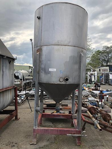 800 Gallon Vertical Cone Bottom Tank