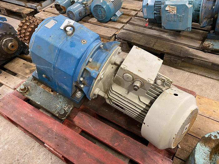 Used LONNE Electric motor with reducer 11 kW