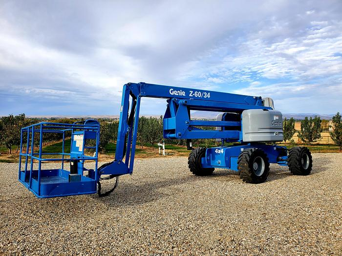 Used 2014 Genie Z60/34 Articulated Boom Lift ** 747 Hrs **