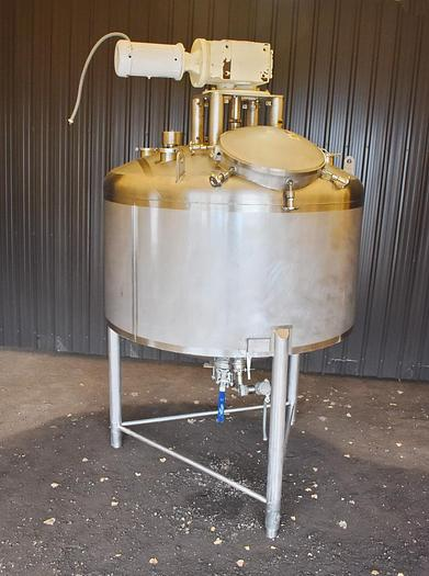 Used USED 750 GALLON 316 STAINLESS STEEL TANK, WITH SCRAPE AGITATION