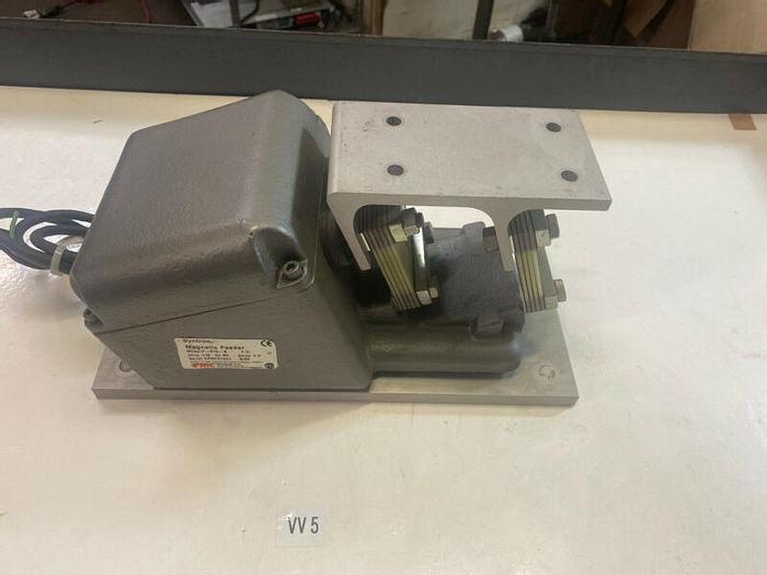 Used SYNTRON F-010-B MAGNETIC FEEDER 115V Warranty Fast Shipping