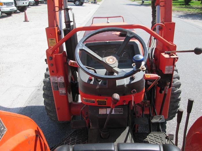 Kubota M5700 Tractor With Loader, 4 Wheel Drive