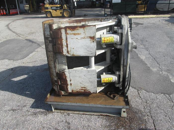 Used Cascade 90F-RCP-335 Paper Roll Clamp