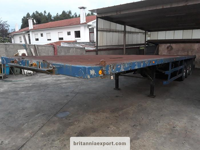 Used 1990 FRUEHAUF Tri axle on springs with twist locks for containers