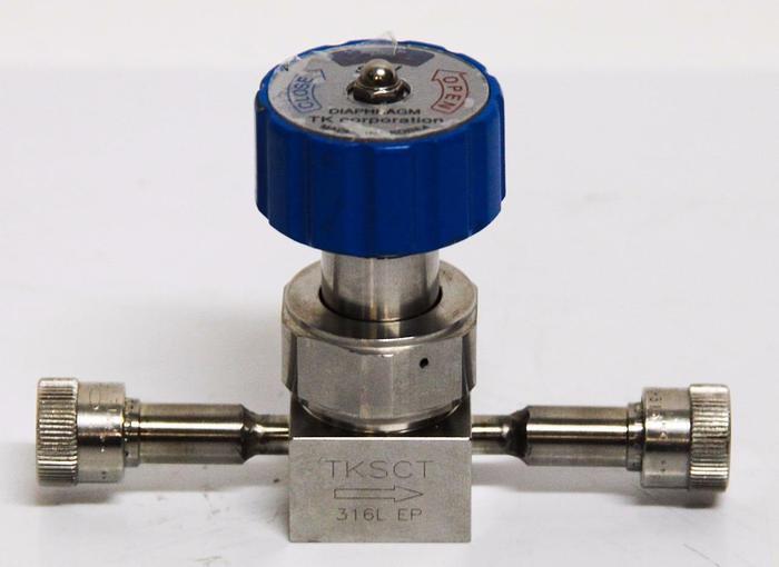 Used TK Corporation 316L EP 210K 1/4'' Open Close Diaphragm Valve Right (4459)