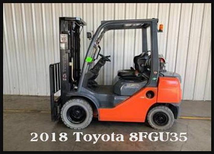 Used 2018 Toyota 8FGU25 Pneumatic Tire Forklift,5k Capacity, 3 Stage Mast, Side Shift