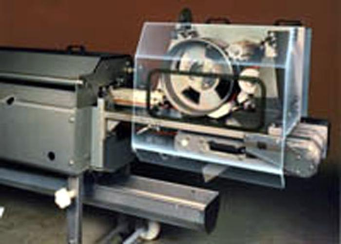 """Używane """"BAADER 56"""" - Maszyna do skórowania i krojenia filetów śledzia, sardynek i sardyn"""