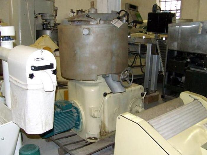 Used Topiałka do serów, z dolnym mieszadłem o regulowanej szybkości obrotów