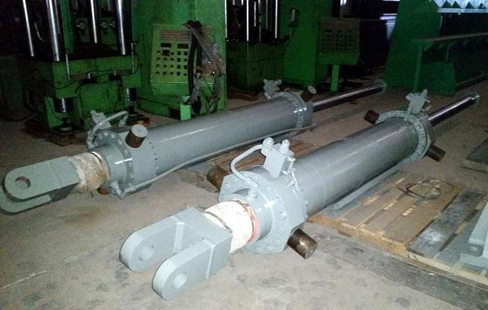 Used Double-Ended Hydraulic Cylinder
