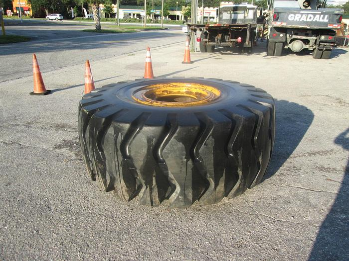 Used 29.5 x 29 Equipment Tire