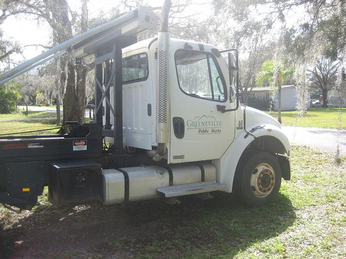 Used 2005 Freightliner Business Class M-2