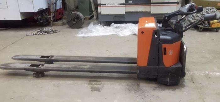 Wózek widłowy elektryczny  BT LPE200/8