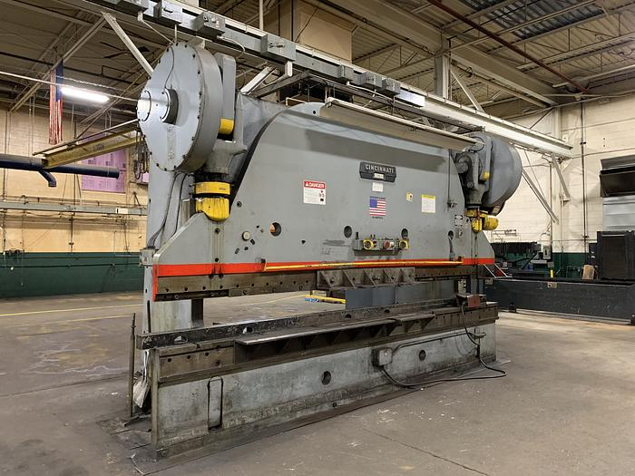 400 ton Cincinnati Mechanical Press Brake