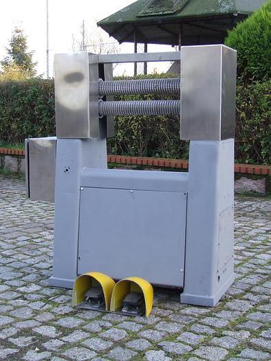 Używane Maszyna do ściągania racic z kopyt wołowych