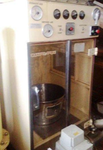 Used MANESTY PETRIE fluid bed batch dryer