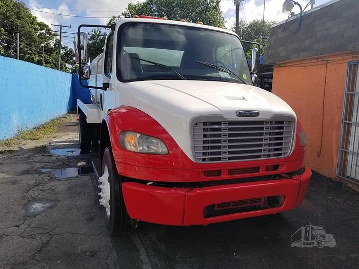 2010 FREIGHTLINER BUSINESS CLASS M2 106 SEPTIC TRUCK
