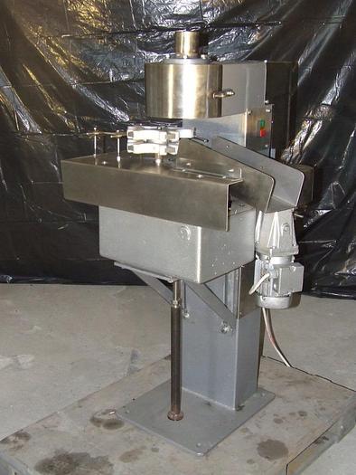 Używane Półautomatyczna zakręcarka do słoików Twist Off