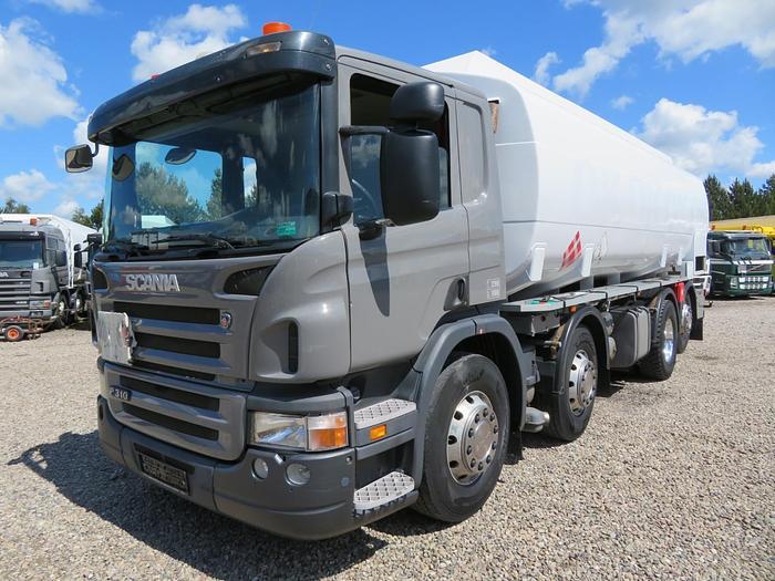 Meget god 2007 Scania P310 8x2*6 24.500 l. ADR Diesel/Benzin