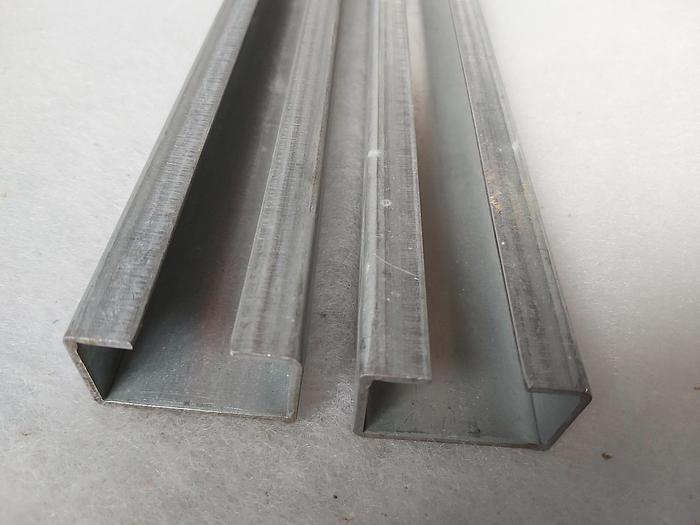 Gebraucht C Profilschiene 40x25x890mm , Stahl verzinkt, gebraucht-Top