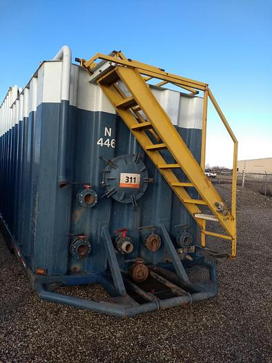 Used 2000 – 2005 VE Frac Tanks with Flat Step top