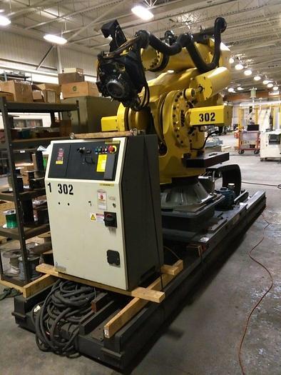 FANUC M900iB/700 6 AXIS CNC ROBOT W/R30iB & 7TH AXIS 15' LONG TRACK