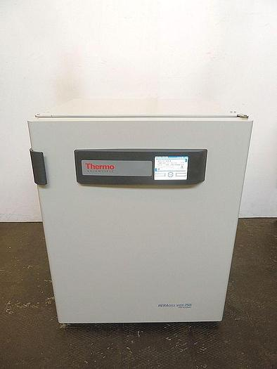 Used W 14901 E - Co2 Incubator THERMO FISHER HERACELL VIOS 250i