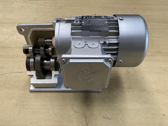 Gebraucht NORD Ausstellungsmotor mit geöffnetem Getriebe