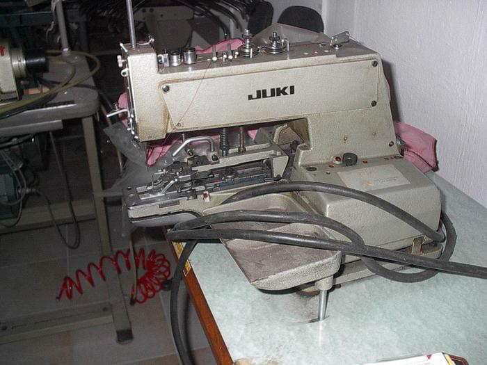 Knopfannähmaschine  JUKI  MB 372