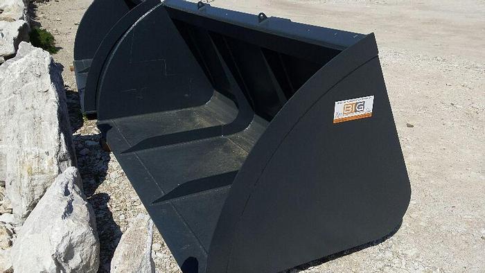 Volumenschaufel 260 cm mit JCB Q fit Aufnahme