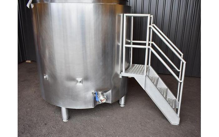 USED 750 GALLON JACKETED TANK, STAINLESS STEEL, SANITARY WITH MIXER