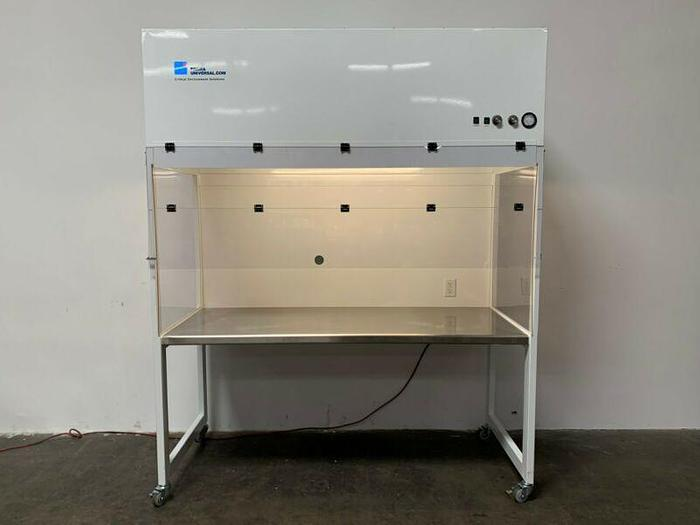 "Used Terra Universal 2001-69 ValuLine Vertical 30"" x 36"" x 73"" Laminar Flow Station"