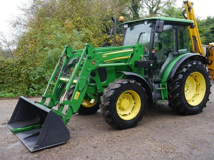 Used John Deere 5090M 4wd Tractor
