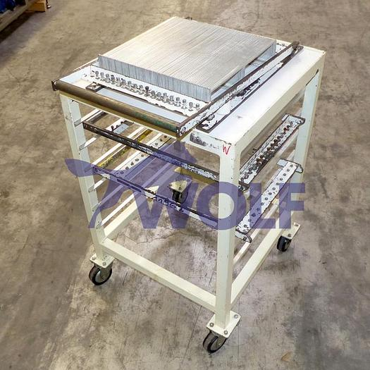 Gebraucht Drahtschneider DEDY lackiertca. 38 cm x 37,5 cm mit fahrbarem Tisch.