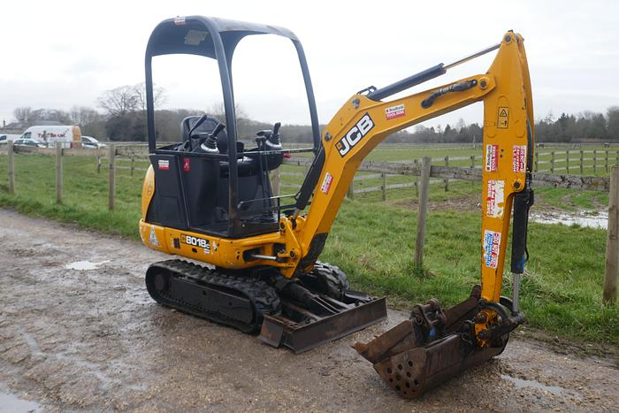 Used 2016 JCB 8018 CTS