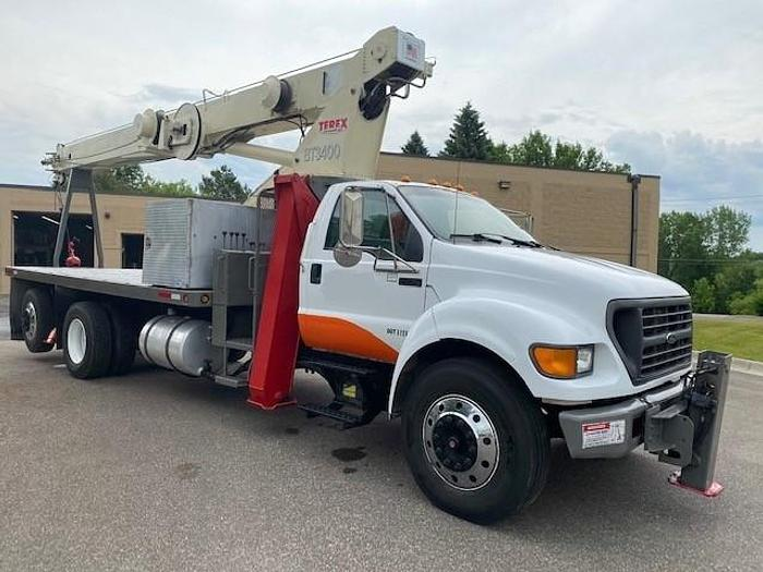 Used 2001 Ford F750 Terex BT3400 Crane Truck - M74771