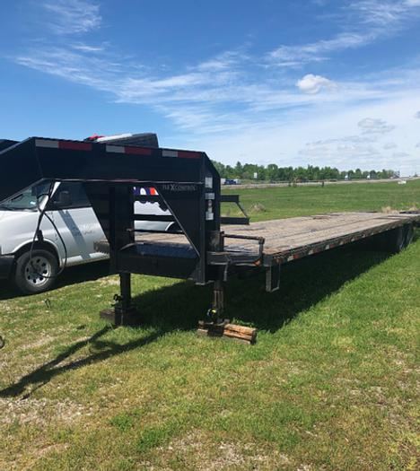 40' Dove Tail Trailer